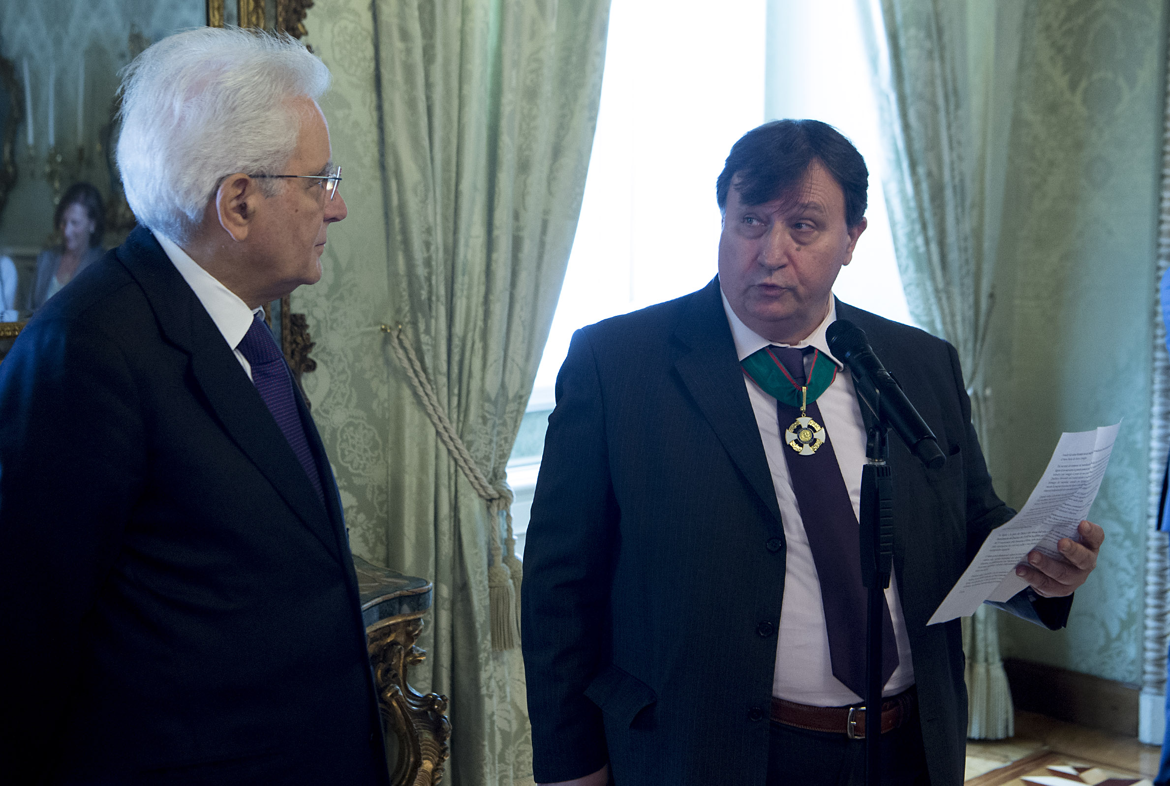 Pierluigi Amen legge il suo discorso su Don Rey al presidente Mattarella (1)